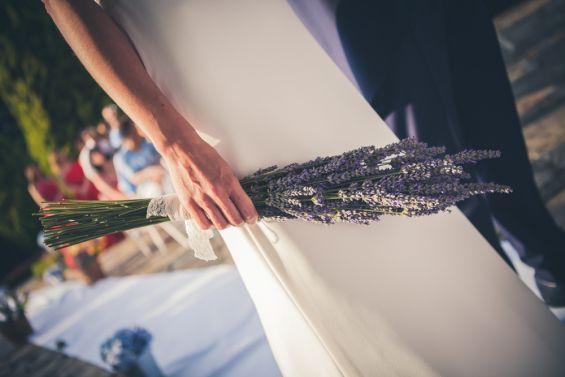 el ramo de lavanda de la novia